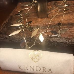 NWT Kendra Scott Blaine Necklace in Gold!!